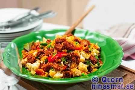 Hirspaella med Quorn Bitar, rostade grönsaker, fårost och mandel