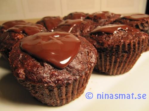 Chokladmuffin saftiga chokladmuffins