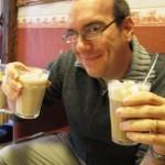 David vill ha båda lattena för sig själv