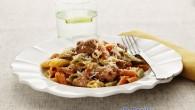 Med salsiccia och svamp garmerad med riven parmesan. Härliga smaker som smälter i din munn.