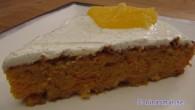 Saftig kaka med mycket smak av apelsin med en vanilj glasyr
