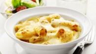 Rigatoni är formad som ett rör med vid diameter och djupa spår på utsidan och passar utmärkt i kombination med såser med tomat och kött eller ugnsbakad.