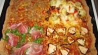 Recept på nyttig pizza. Med dinkelbotten. Fyllningen väljer du själv.