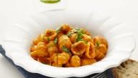 Det är en snabb och enkel pasta som passar bra för hela familjen. Till är det pasta Gnocchi som är formad som en snäcka. Pastaformen passar utmärkt till såser med gräddbas eftersom såsen samlas i den lilla skålen i pastan
