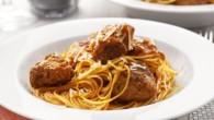 """Det här är en klassisk """"Lady & Lufsen""""-pastarätt med saftiga köttbullar, på italienskt vis i tomatsås"""