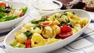 Det här är en lätt pastarätt som passar utmärkt på sommarbuffén eller till picknicken, kombinera med grillat eller ät den som den är.