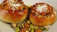 Kanelbullar med härlig fyllning av pistachnötter och mandel.