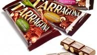 Våra nya 155g chokladkakor finns i tre smaker med samma kombinationer som i vår 80 g-serie, hela hasselnötter, hackade cashewnötter och hackad mandel som vi blandat med vår krämiga mjölkchoklad.