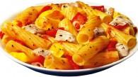 Färgglad pastarätt med Tortiglioni, kyckling och paprika