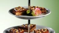 Frödinge Godbit – en liten lyxig minitårta perfekt till fikat.  Liten, full med mättad mandelsmak och krämig fyllning har den en given plats i varje njutares frys.