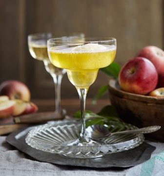 Sorbetglass med äppelcider kiviks musteri och sia glass