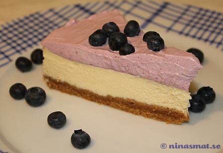 Vit chokladcheeecake med blåbärstopping